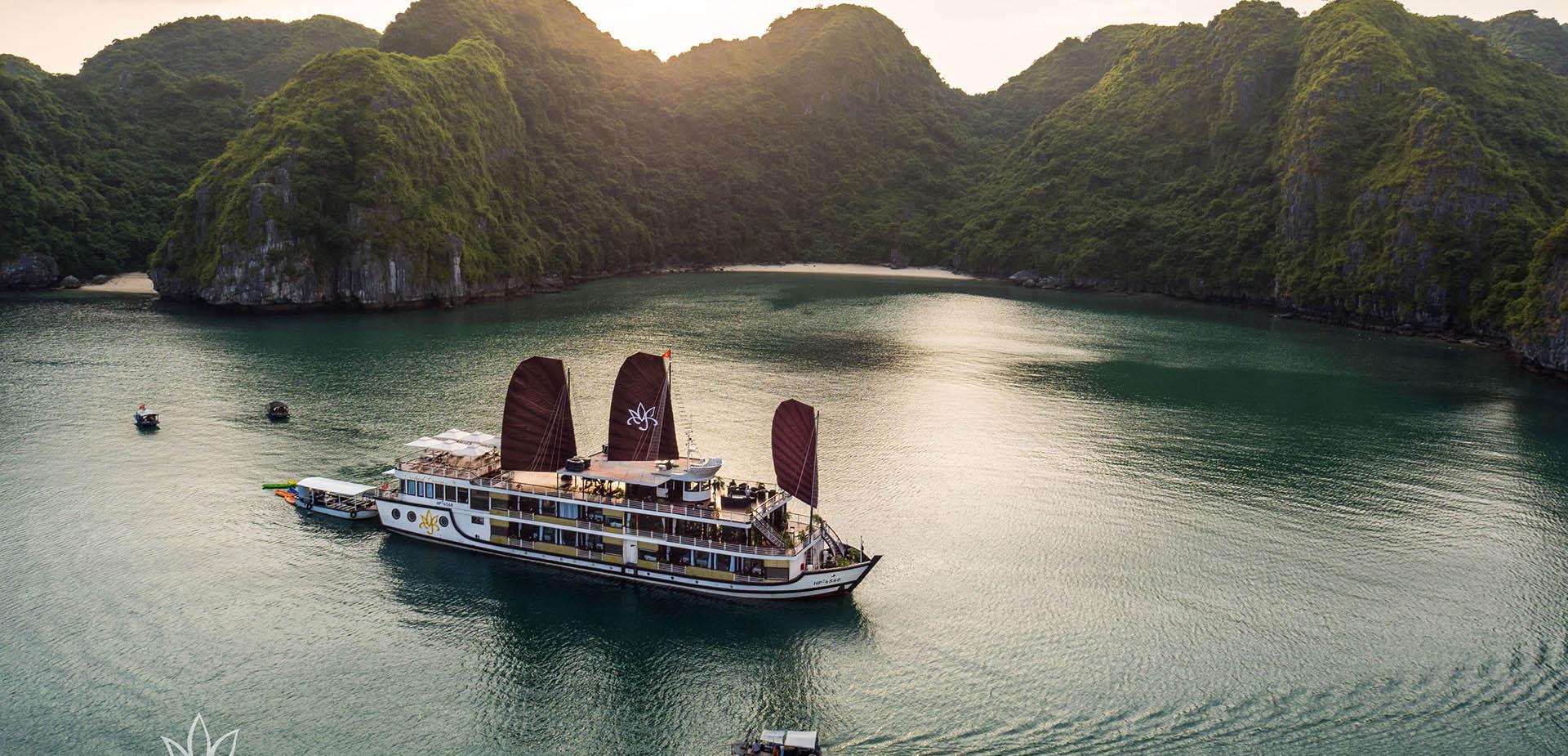 Aclass cruise sundeck11